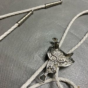 Other - Vintage Western Silver Tone Horse Saddle Bolo Tie